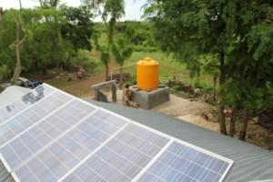 Sumur di Desa Napu Kec. Haharu Sumba Timur yang penggaliannya manual Oleh Tim Kerja Max FM Waingapu serta sudah dipasang pompa air dan sumber energi dari energi matahari oleh Tim Radio Max FM Waingapu