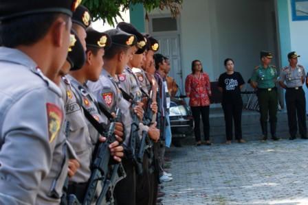 Persiapan Pelepasan Logistik Pemilu Ke Wilayah Selatan Sumba Timur