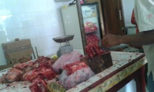 Tempat pemotongan daging kiloan di Depo Daging Al Djufri Waingapu