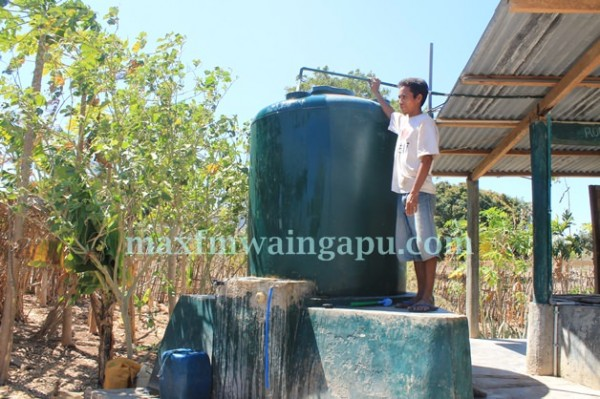Sumur di Wunga Timur sudah menggunakan Pompa Air [Foto: Heinrich Dengi]