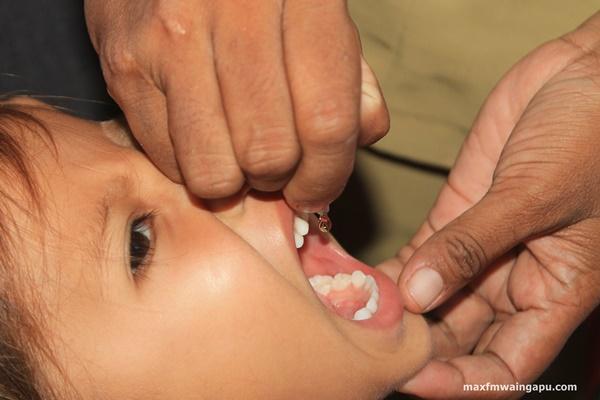 Suasana PIN Polio 2016 di Posyandu Rose Mary Kalu