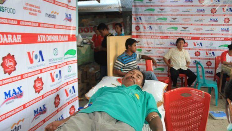 Donor Darah di Radio Max FM [Foto: Heinrich Dengi]